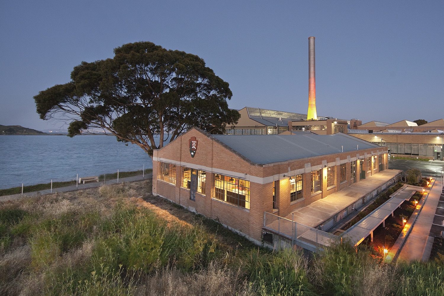 03_Projects_Rosie the Rivetor Visitor Center.jpg