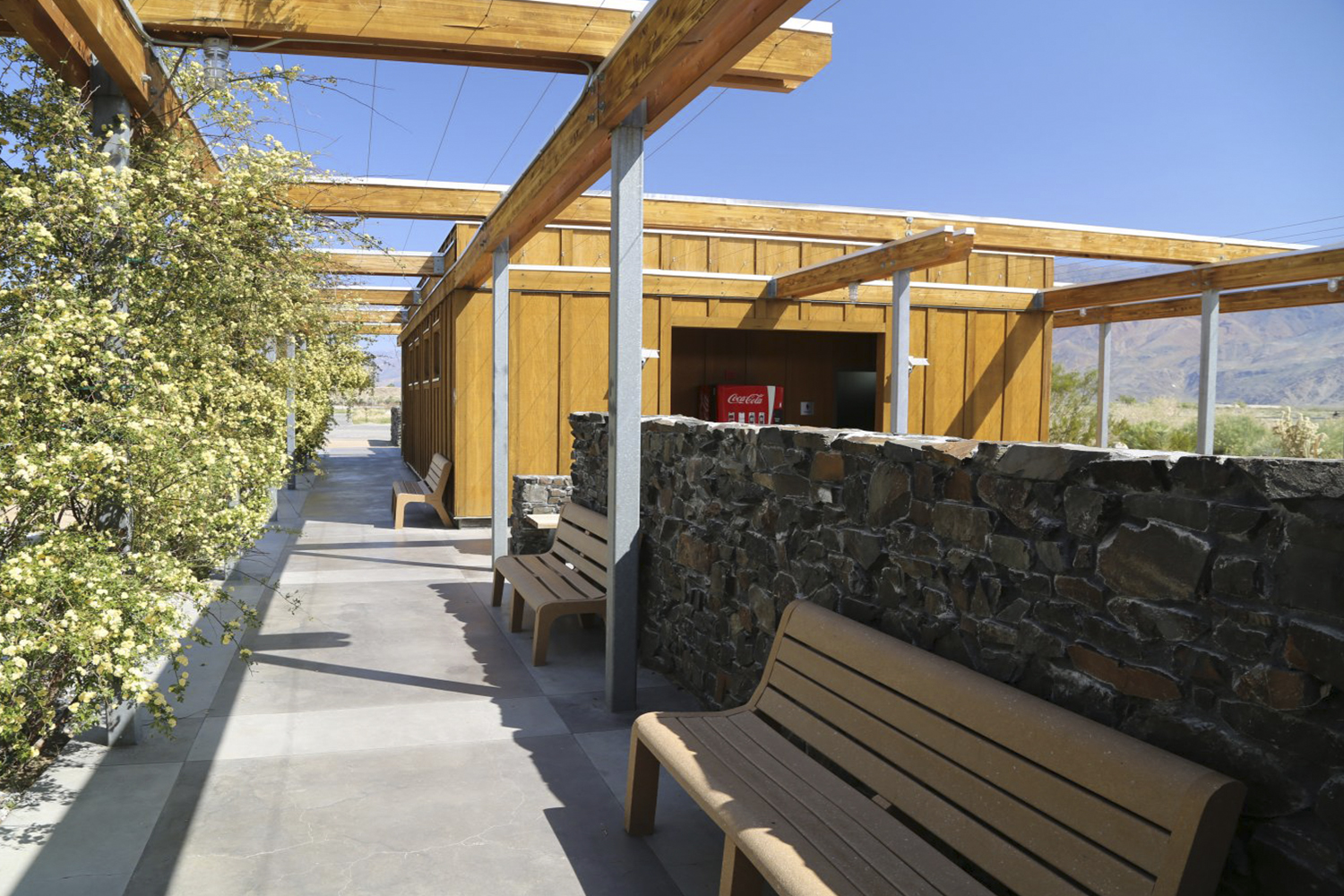 11_Projects_Eastern Sierra Inter-Agency Visitor Center.jpg