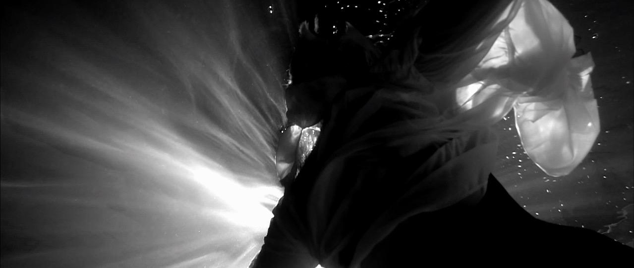 CRAIG CONNELLY & CHRISTINA NOVELLI - BLACK HOLE  2013 GARUDA / dir: Lee Jones