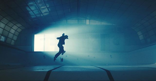 #skateboard #film  Amazing skills of @jamesgrindley_