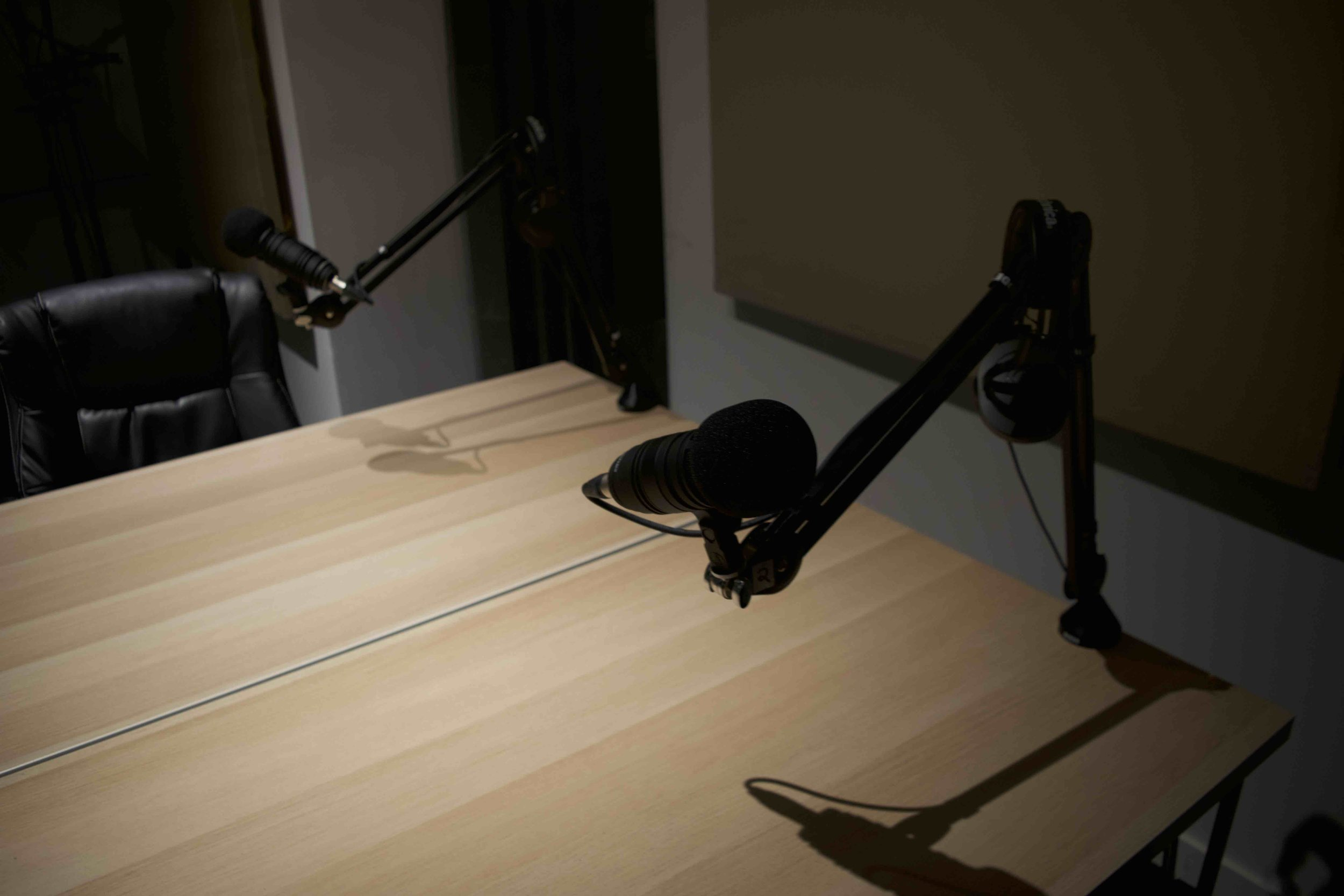 Podcasting table