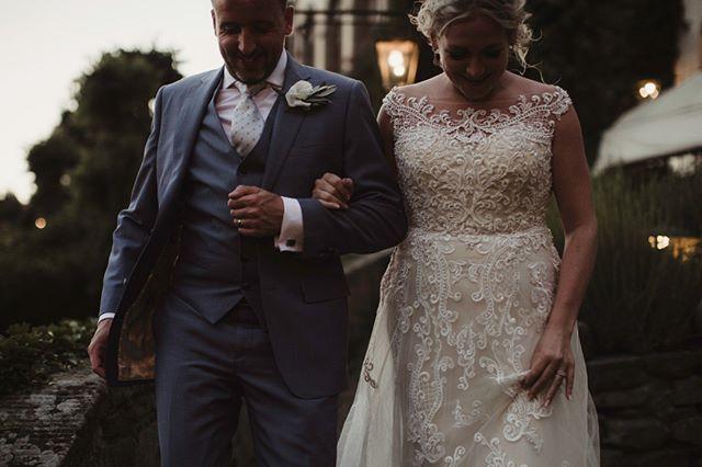 Love capturing such happy moments ✨⠀⠀⠀⠀⠀⠀⠀⠀⠀ -⠀⠀⠀⠀⠀⠀⠀⠀⠀ -⠀⠀⠀⠀⠀⠀⠀⠀⠀ #junebugweddings #rockmywedding #junebugcommunity #weddingdress #weddings #love #groom #bride #adventurewedding #intimatewedding #justmarried #yourdayyourway #makemoments @rockmywedding @junebugweddings @photobugcommunity @brides @lookslikefilmweddings @wayupnorth