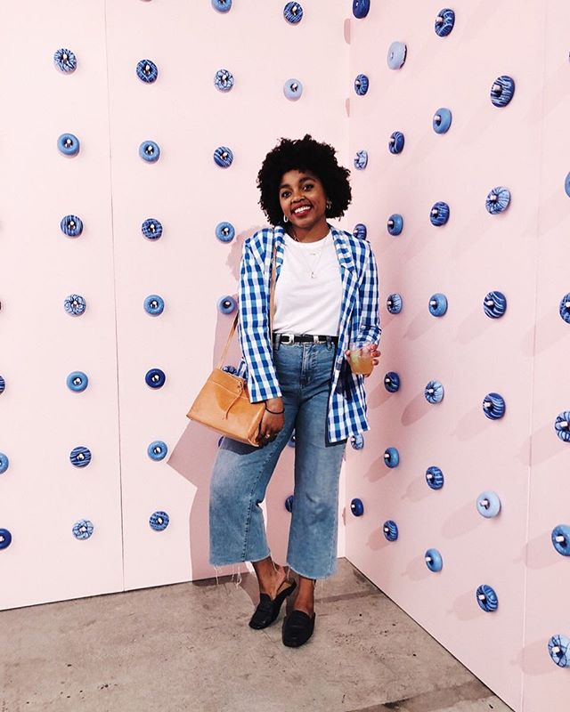 Made a stop by @bluehost 's Bluetopia experience last night and I didn't even try to eat the donuts off the wall. 🍩💙 (also met Blair Eadie and didn't loose my complete 💩 so two wins in one night?! I will take it.) • • • • • #bluehost #bluetopia #wordpress #fashion #style #design #photooftheday  #instagood #nyblogger #details #darlingdaily #liveessential #pursuepretty #darligeveryday