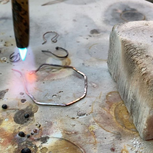 Watch to the end...How cool is this?! Playing with 🔥 🔥 🔥 today. I love doing this so much! All my leftover scraps get turned into little metal balls and repurposed into details for other jewelry. Fun, huh? . (Flip through for the before and after when all the pieces are finished.)