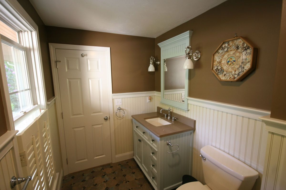 Cape Cod Home Remodeling For Baths Kitchens And Whole House Remodels Designremodel Baths Kitchens More