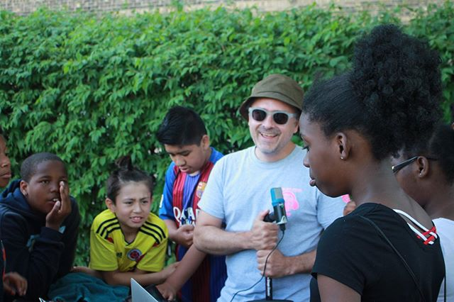 "| WILLYE B. WHITE PARK | • • Inferno artist Jason Roebke @thejasonroebke at Willye B. White Park • • He showed kids his cool instrument he calls the ""Octopus"". Jason made cool beats and sounds with the kids at Willye B. White! • • •  #InfernoCPD #ChicagoParks #InfernoDocTeam #mediamakers #art #digitalmedia #media #InfernoManifesto #summer #music #kids #ChicagoParkKids #children #summercamp"