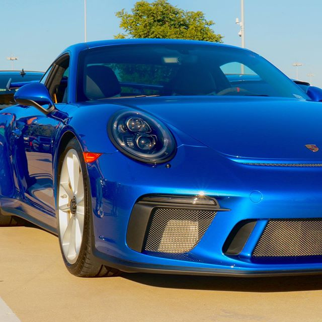 Anyone wanna buy me one? Promise I'll be good 🙏 • • • #cars #porsche #porschegt3 #porsche911 #blue #photography #carshow