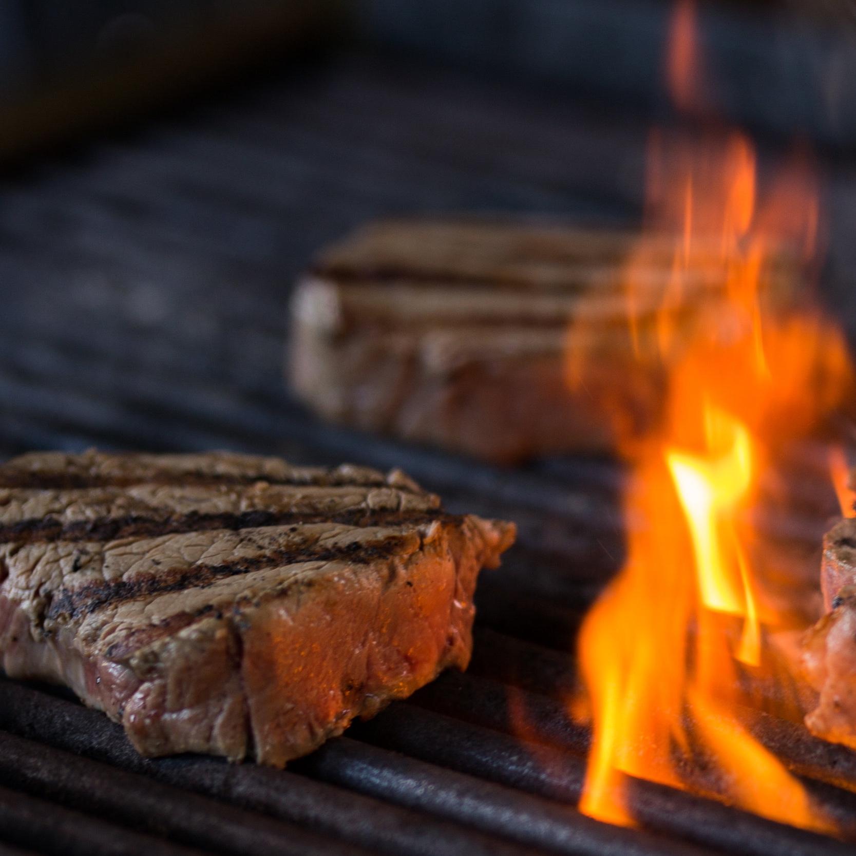 Steak+Night-11.jpg
