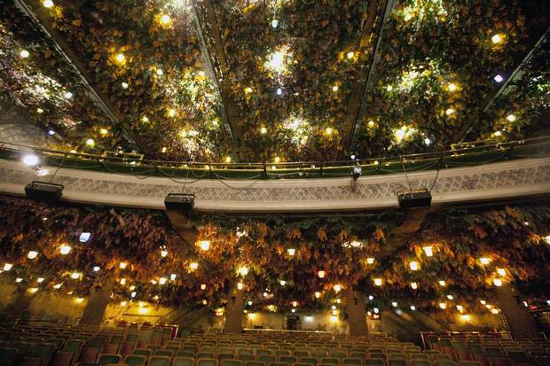 "The Winter Garden Theatre - Ceiling  Haic, Deborah. ""In Pictures: The century-old Elgin and Winter Garden Theatre."" The Globe and Mail, 3 Oct. 2013.   www.theglobeandmail.com/news/toronto/in-pictures-elgin-and-winter-garden-theatre/article14677367/"