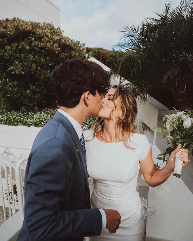 Congrats to these 2 lovebirds ❤️ #summalovin @zaysolis119 + @fiionasolis 🌴 #bridesbyadrianne
