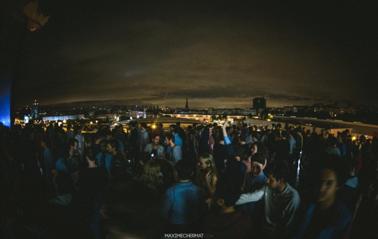 Avec en prime un fumoir avec vue sur tout Paris, que demander de plus ?