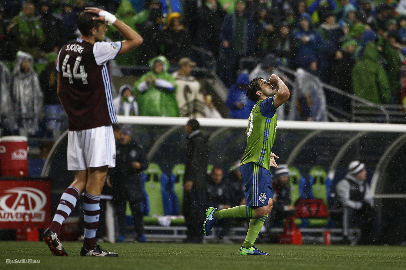Seattle Sounders midfielder Nicolas Lodeiro (10) celebrates after scoring a penalty kick in the second half of their MLS Western Conference Final game against the Colorado Rapids at CenturyLink Field on Tuesday, November 22, 2016.
