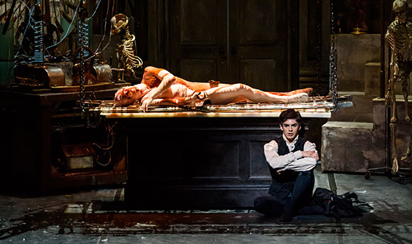 Steven McRae as The Creature and Federico Bonelli as Victor Frankenstein in Liam Scarlett's   Frankenstein  .(© 2016 The Royal Opera House. Photo by Bill Cooper)