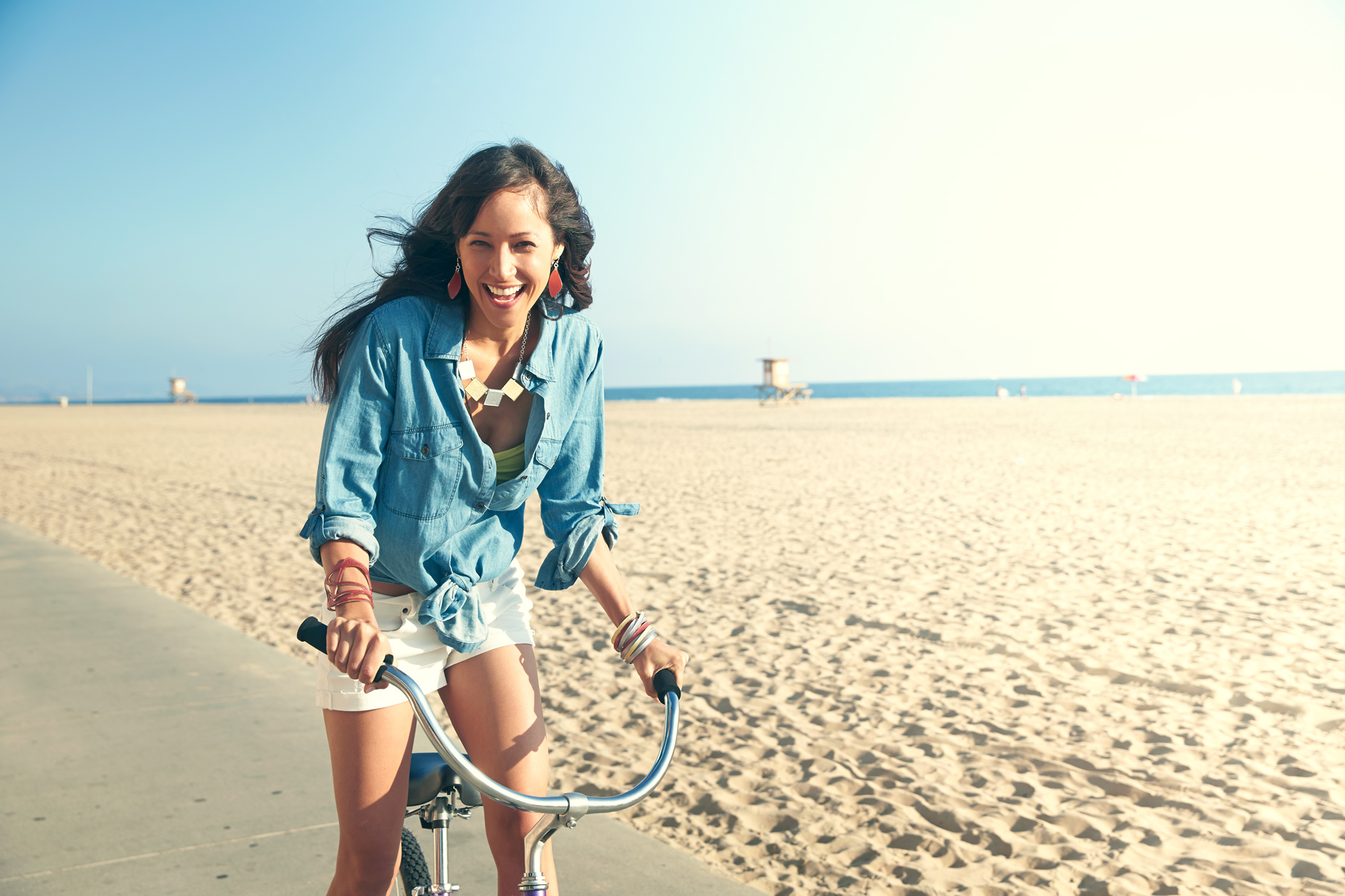 Lifestyle photography Derek Israelsen Girl Bike Beach