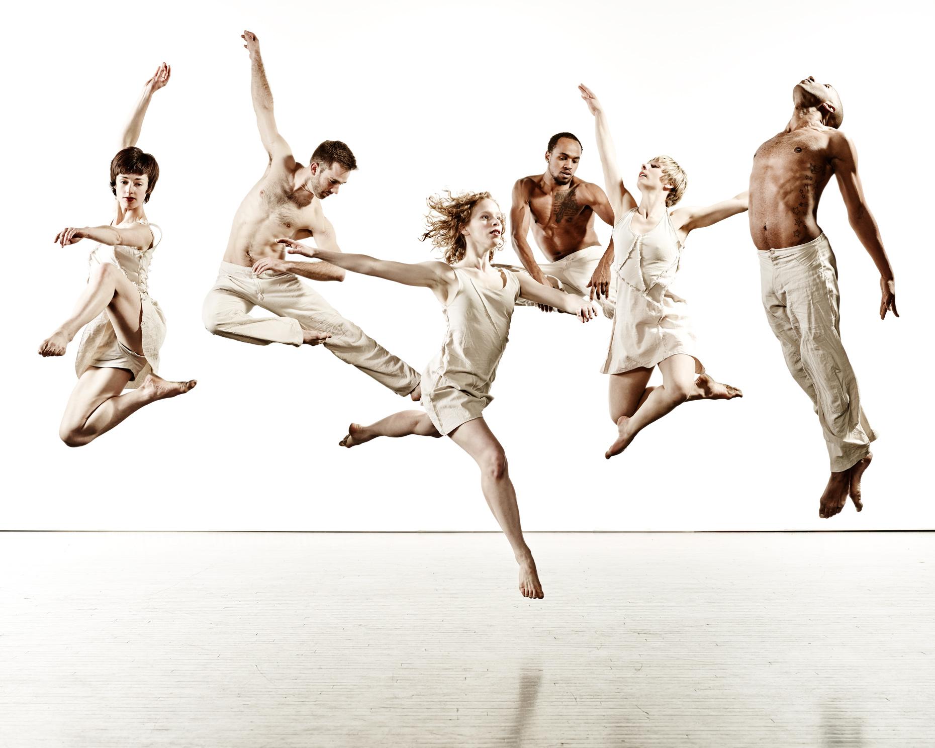 Ririe-Woodbury Derek Israelsen 010 Dancers Jumping
