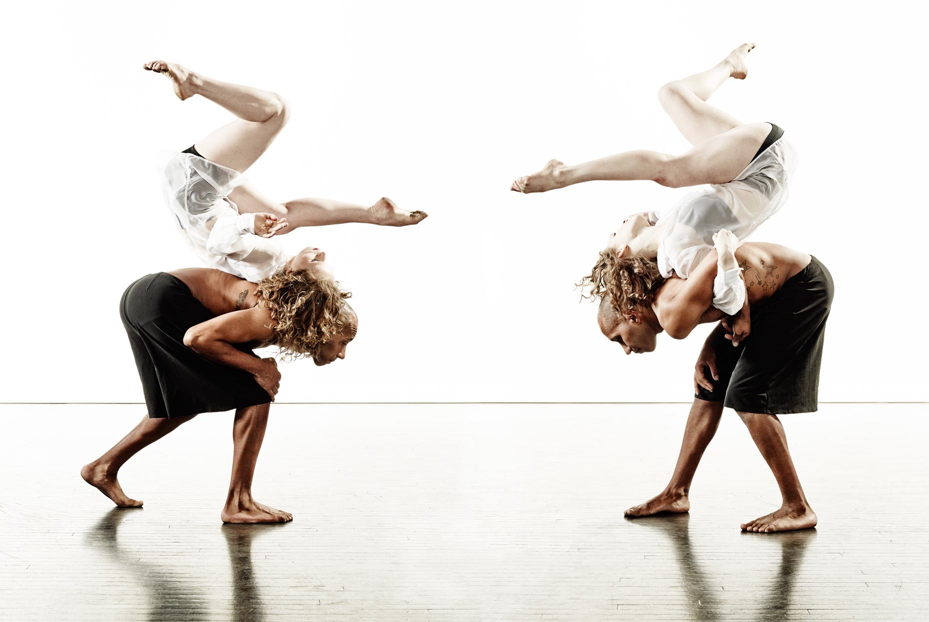 Ririe-Woodbury Derek Israelsen 017 Dancers Mirror