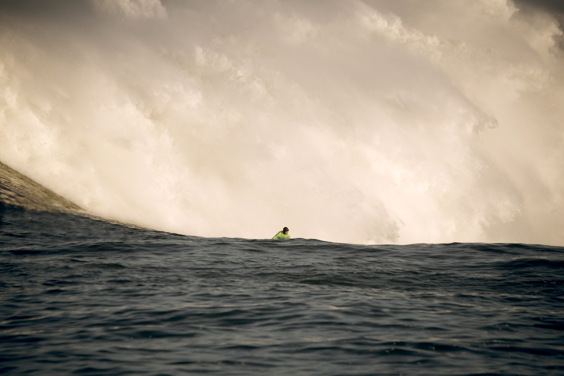 Projects Action Photography Derek Israelsen 002 Surf Waiting