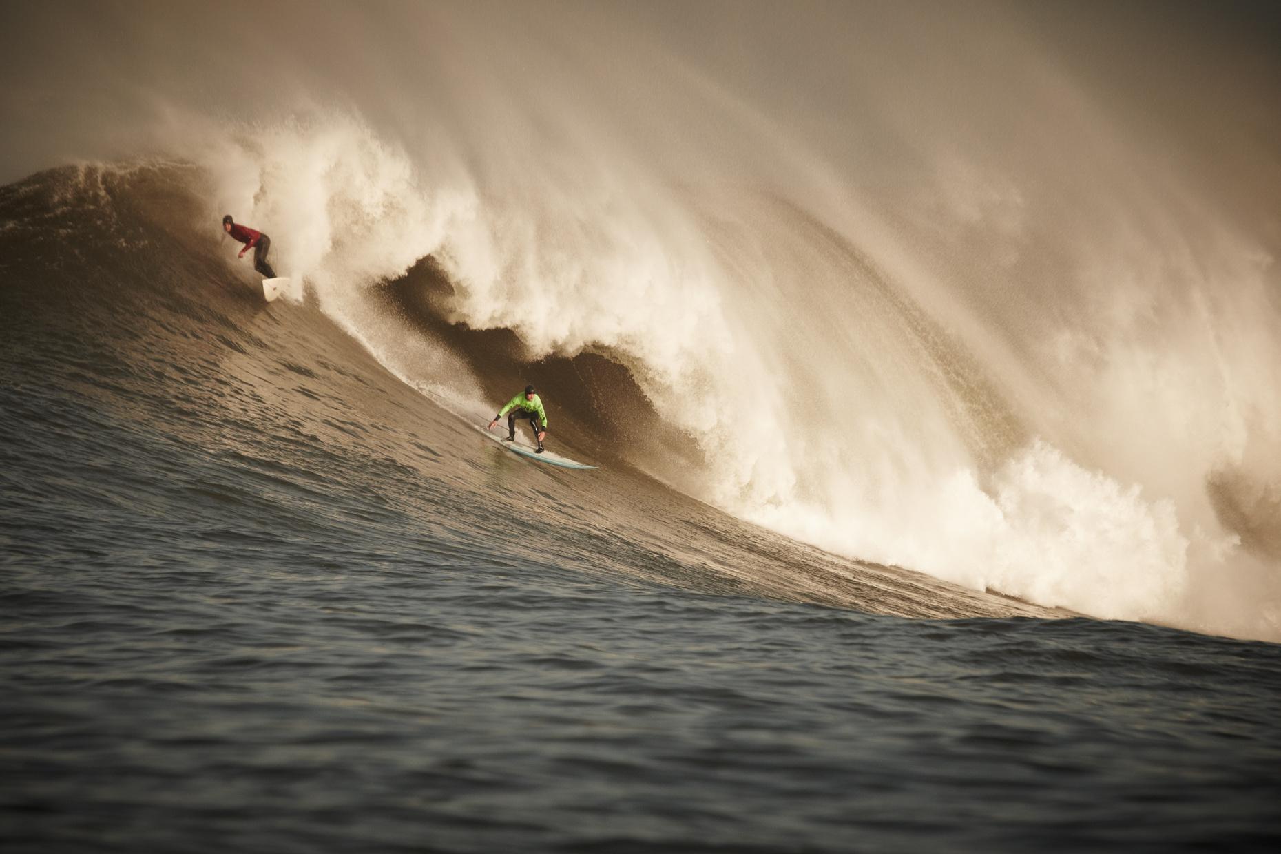 Projects Action Photography Derek Israelsen 001 Surfers Huge Wave