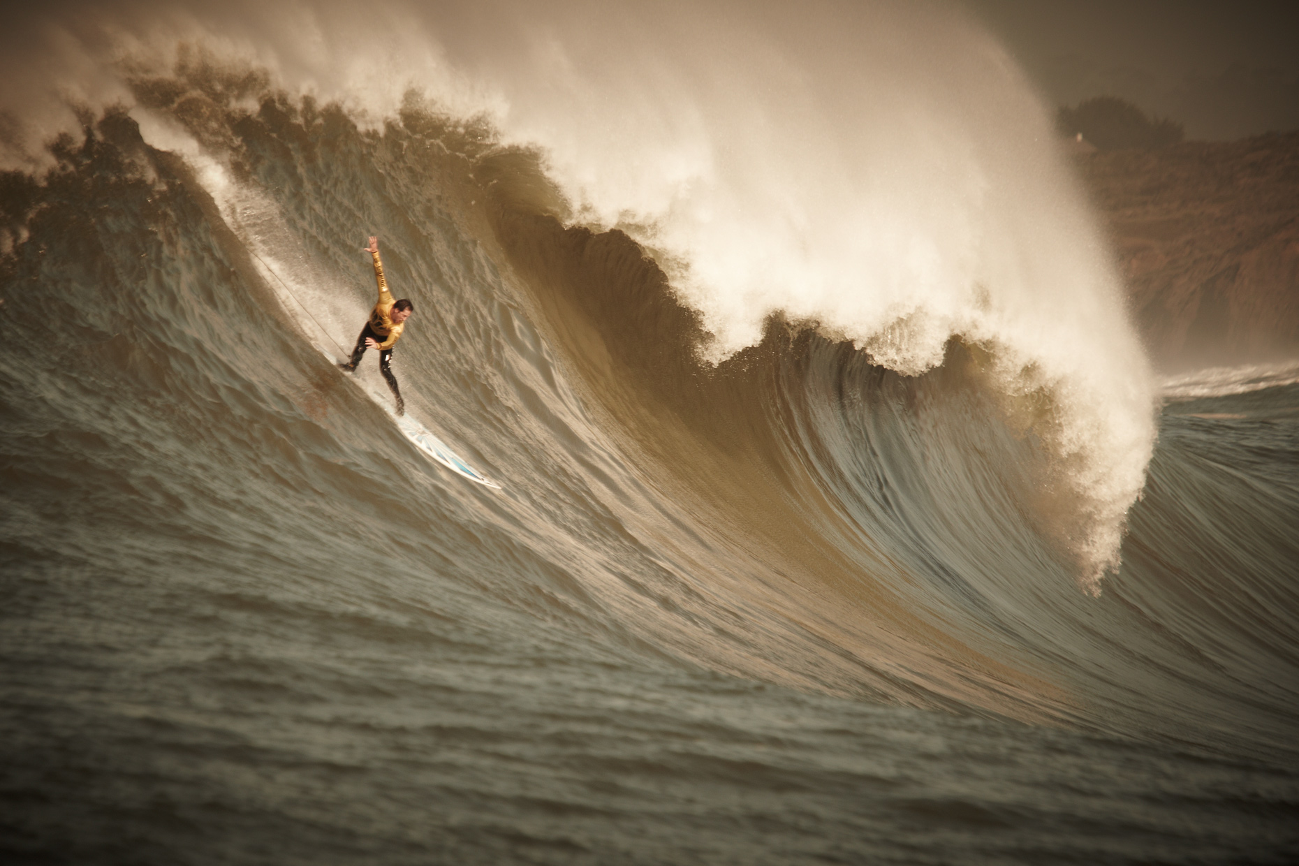 Projects Action Photography Derek Israelsen 009 Surfs Up