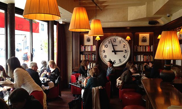 Café Les Editeurs  in  Saint-Germain-des-Prés,  where all the modern literati go.