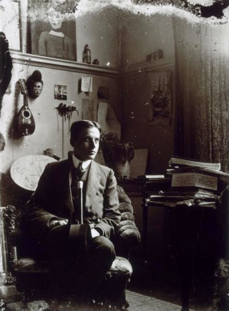 The painter Frank Burty Haviland in Picasso's atelier (11 Bld. de Clichy), Fall 1910 -by Pablo Picasso