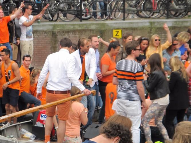 Orange pants, a not unusual Dutchman's accoutrement.