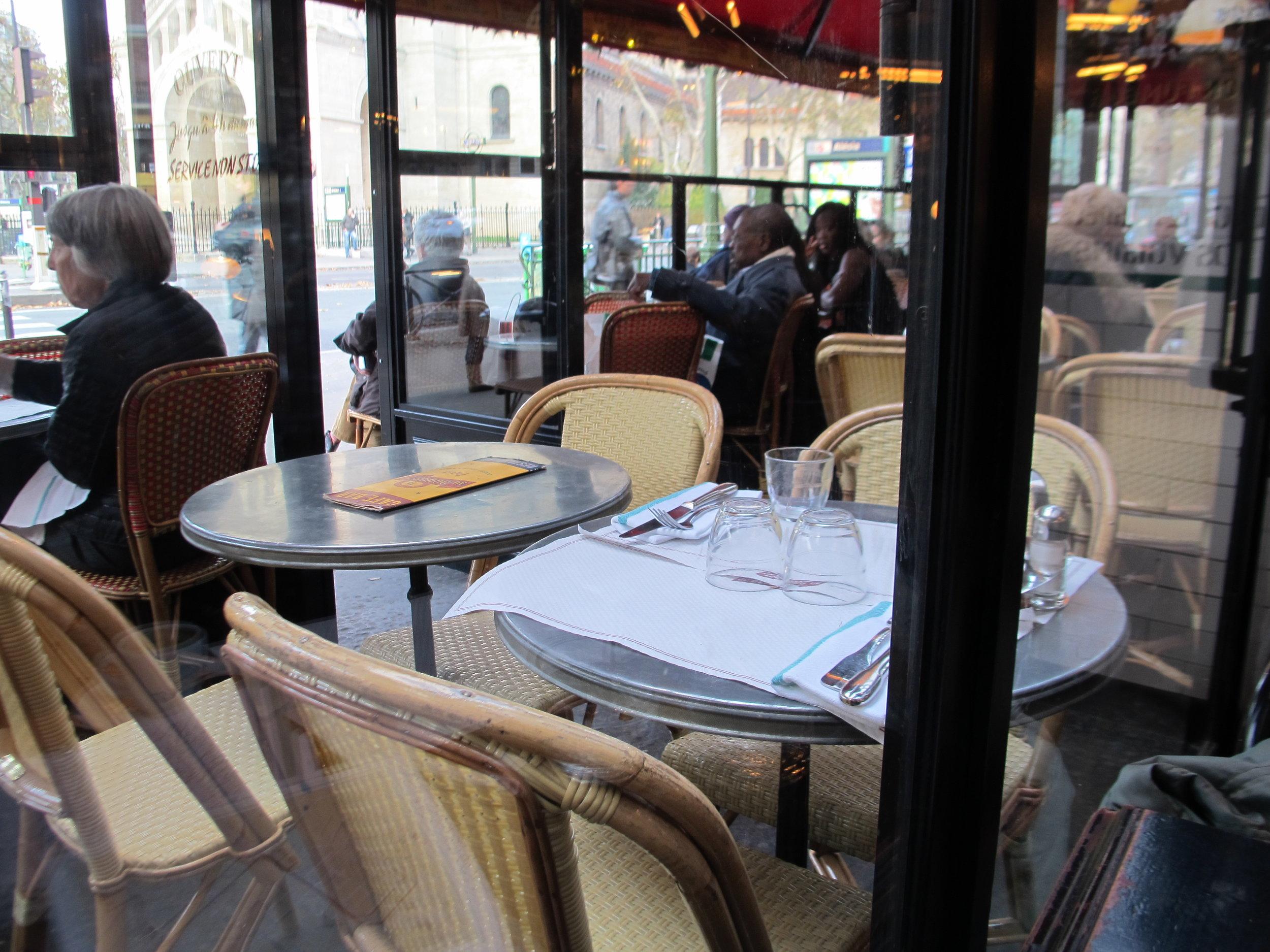 Le Bouquet D'Alésia  café/restaurant, Paris. Photo: Elizabeth Kemble.