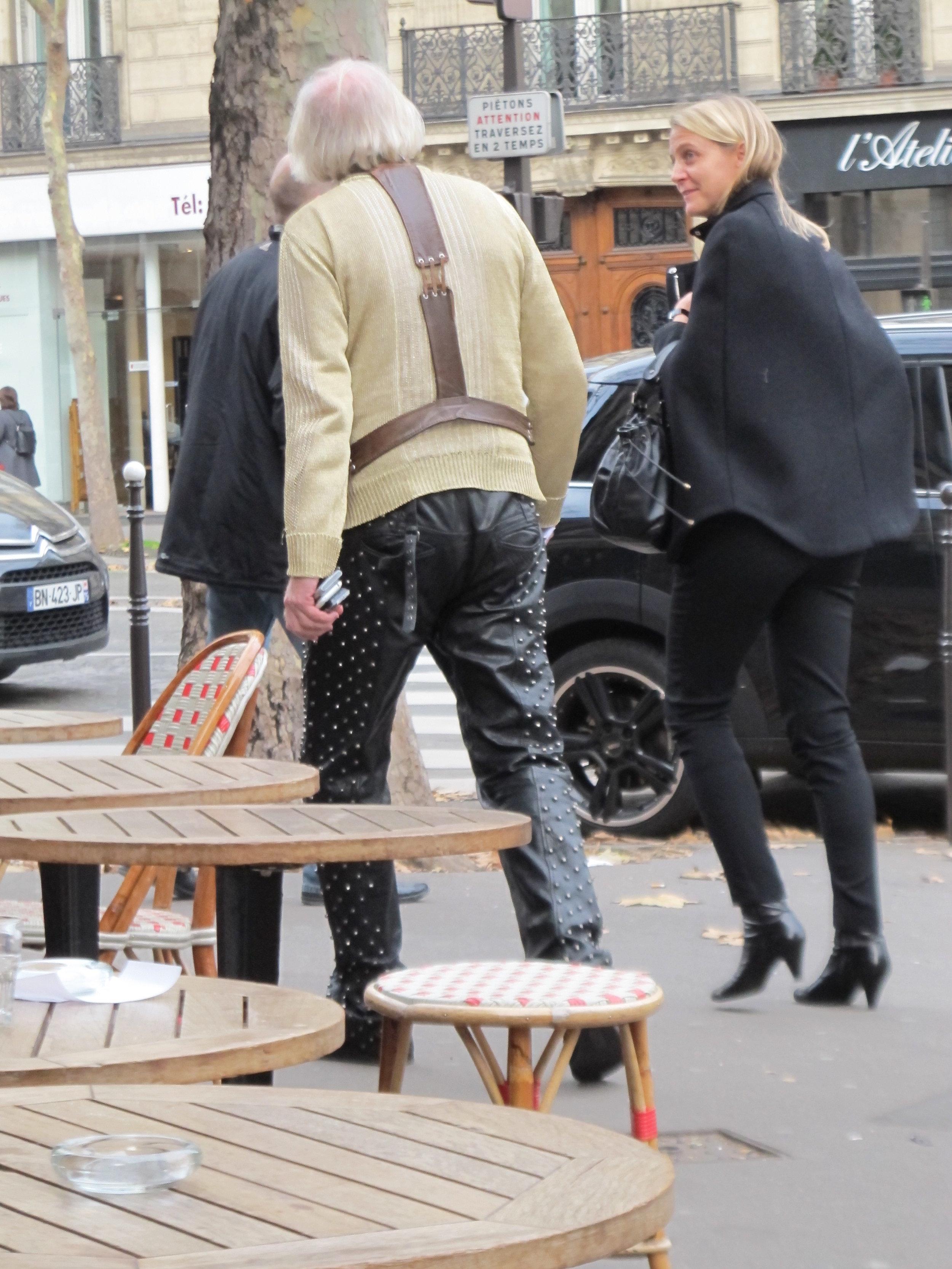 Fashionistas leaving a café on the Right Bank, Paris. Photo: Elizabeth Kemble.