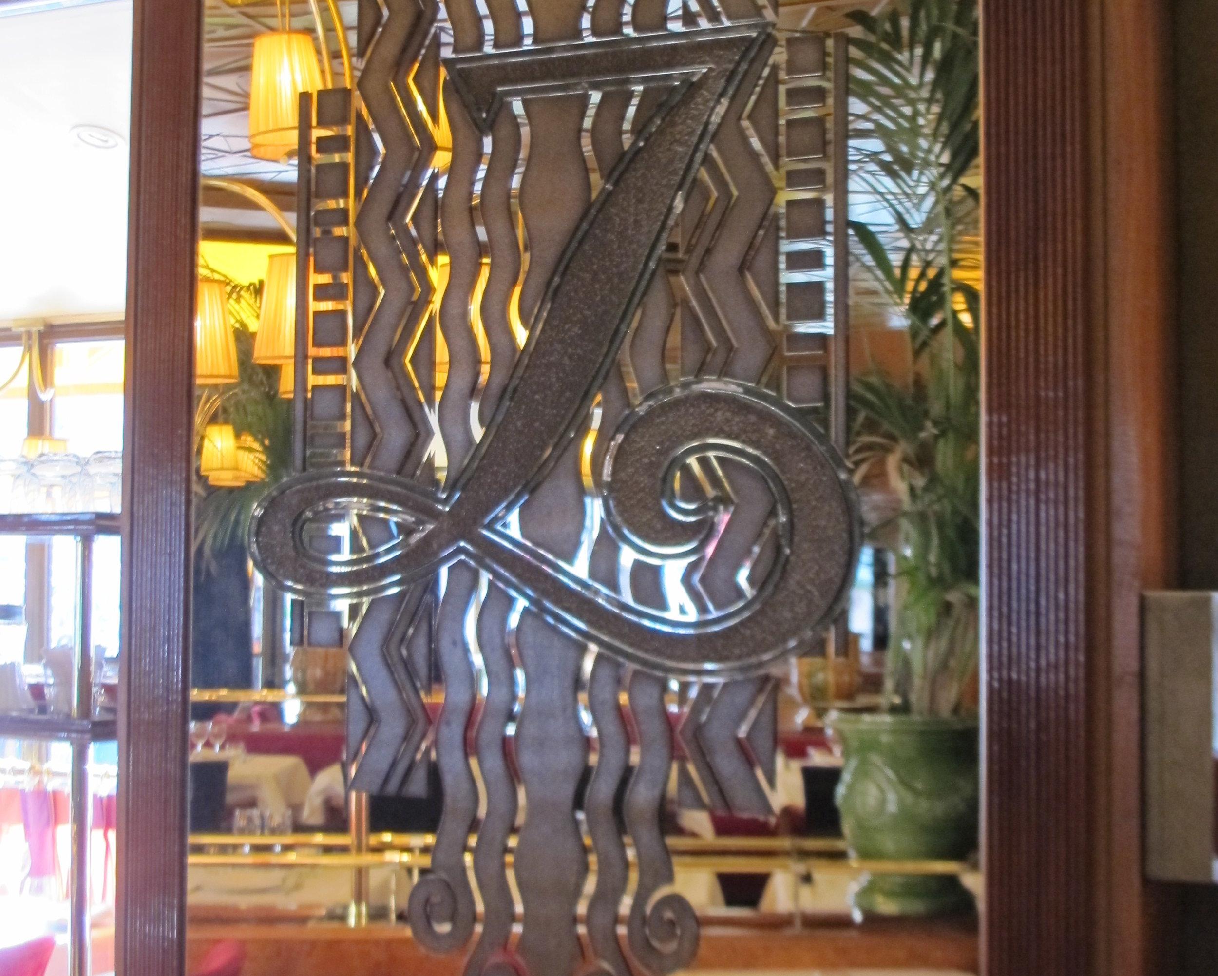 Brasserie Zeyer in Montparnasse.Photo Travellati Tours.