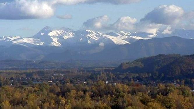 vue-pyrenees-depuis-pau.jpg
