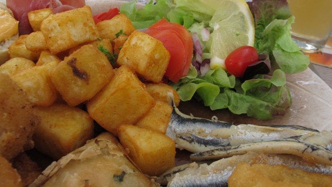Tapas in Banyuls including fresh locally caught anchovies. Photo Travellati Tours.