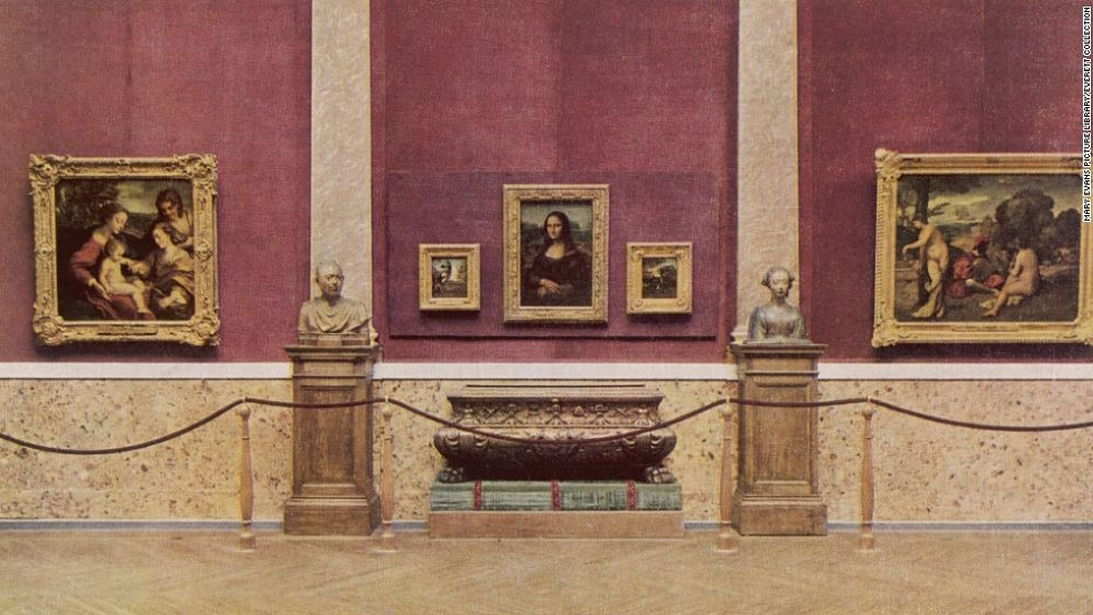 The  Mona Lisa  in the Louvre, 1929.