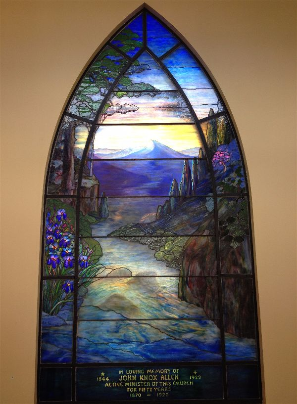 Tiffany window at the Reformed Church of the Tarrytowns. Photo The Irvington-Hudson River Tiffany Trail.
