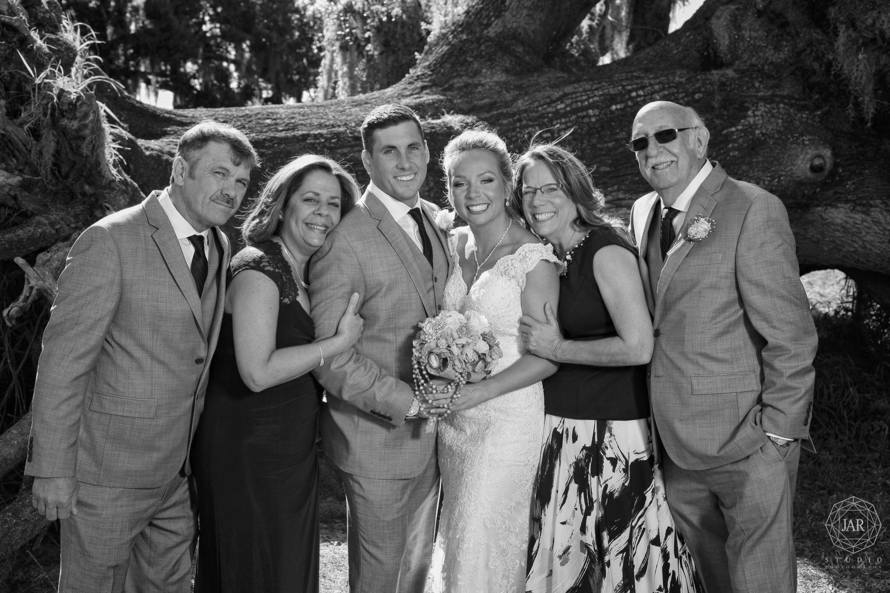 14-family-wedding-formals-park-tree-orlando-florida-jarstudio.JPG