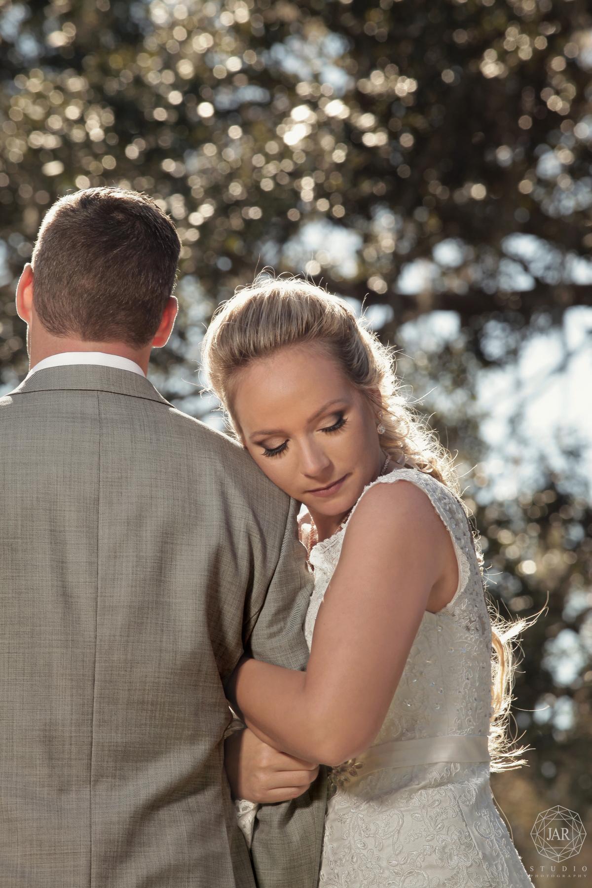 23-outside-wedding-orlando-romantic-couple-jarstudio.JPG