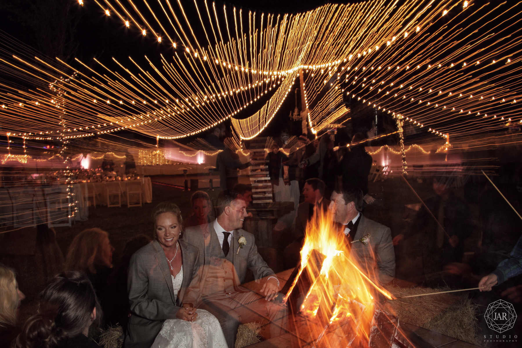 58-wedding-bonfire-party-jarstudio.JPG