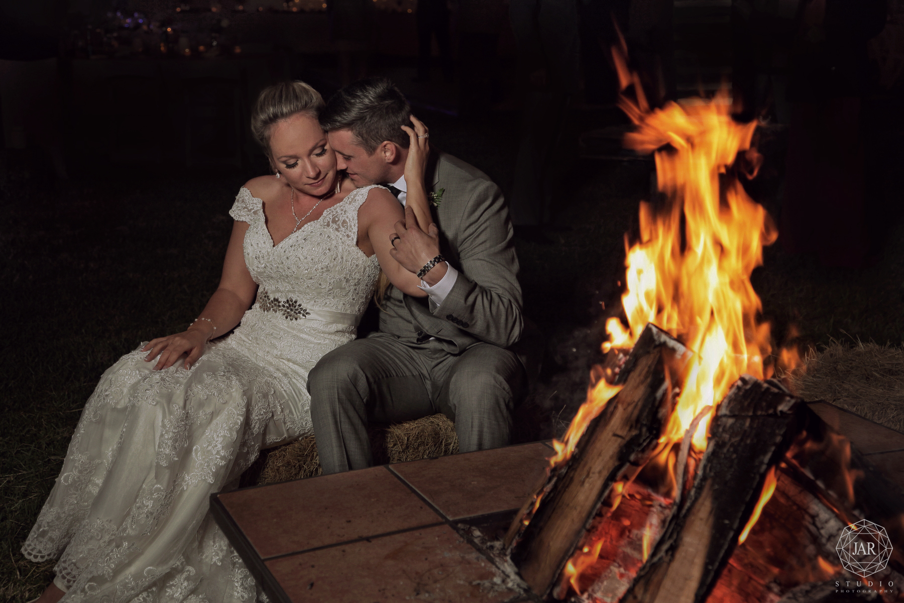 60-romantic-bonfire-wedding-jarstudio-orlando.JPG