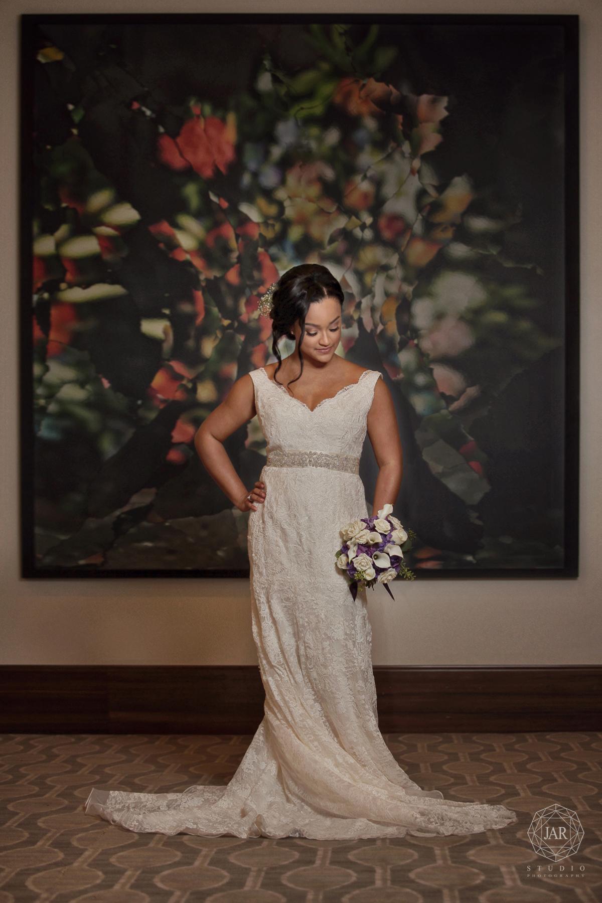 06-alfond-inn-wedding-bride-dress-flowers-jarstudio.JPG