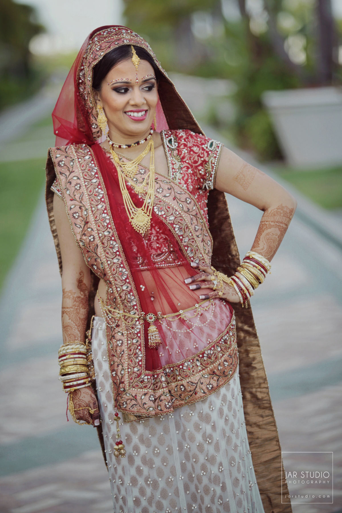 19-bride-saree-jarstudio-indian-weddings-photography-orlando-fl.JPG