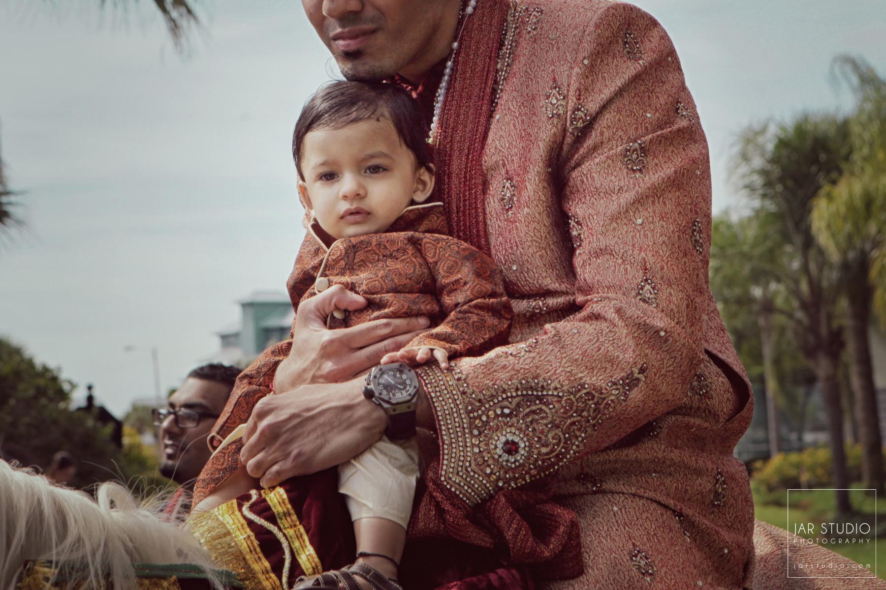 24-hindu-groom-baby-Sherwani-jarstudio-photography-orlando.JPG