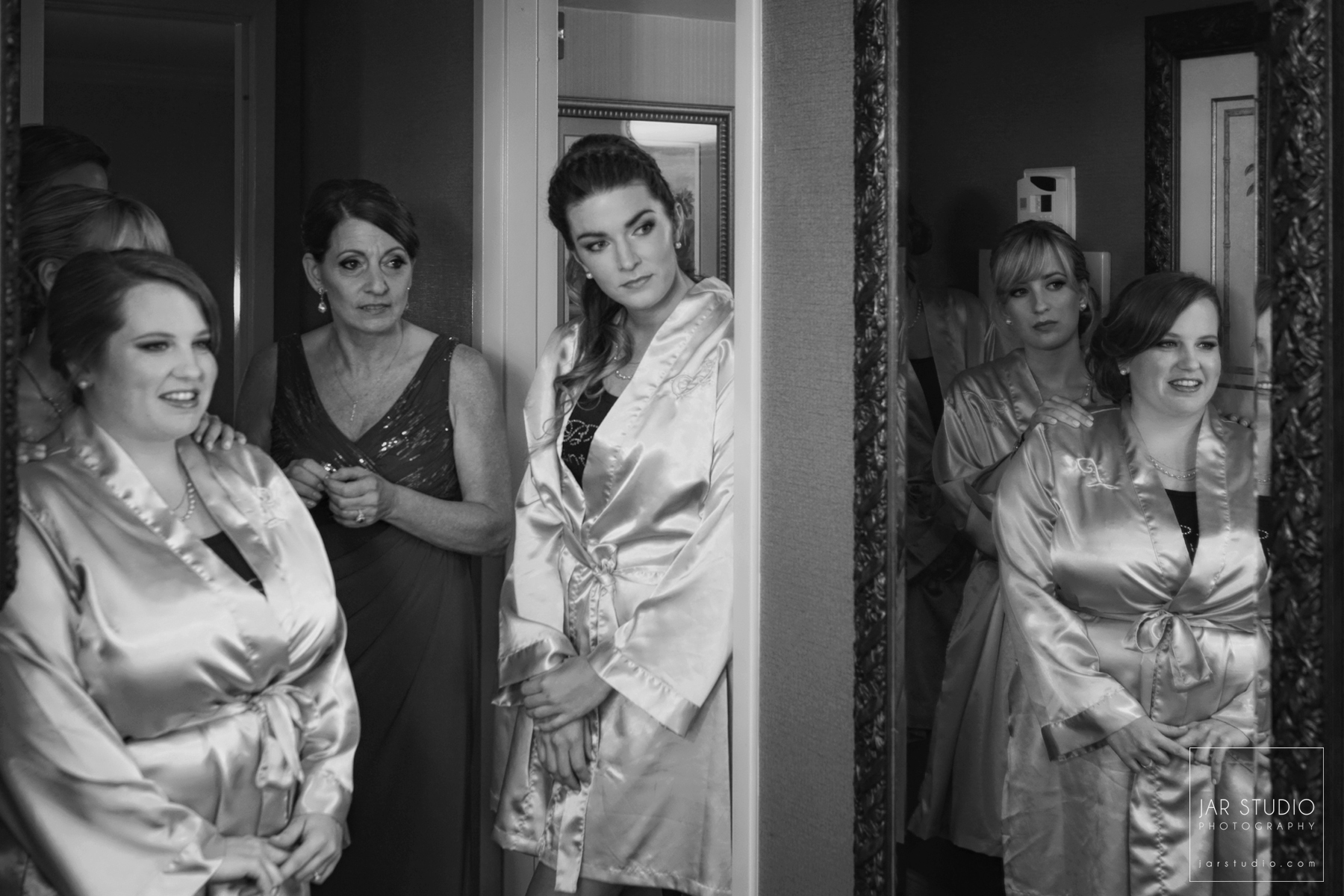02-aqua-bridesmaids-robes-jarstudio-photography-orlando.jpg