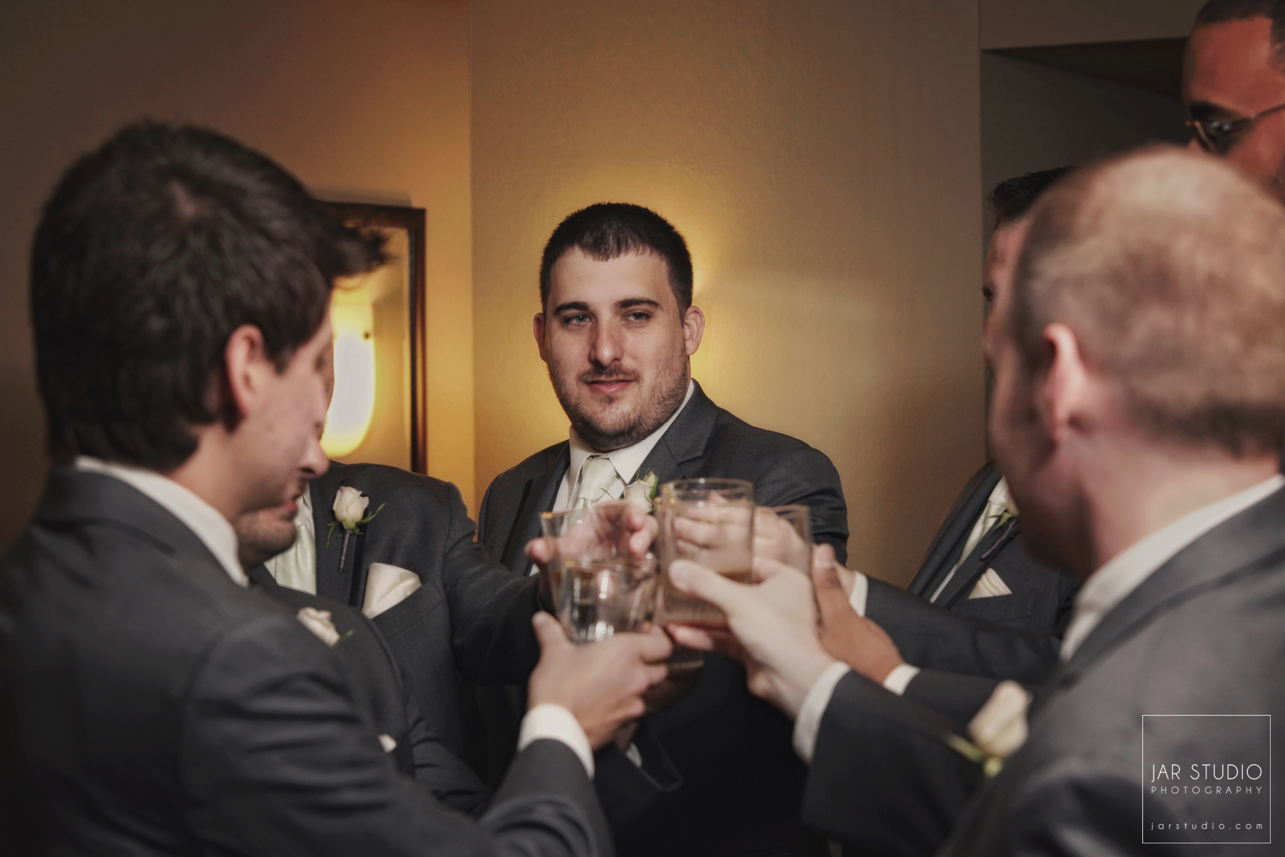11-wedding-day-fun-guys-jarstudio-photography-orlando.jpg