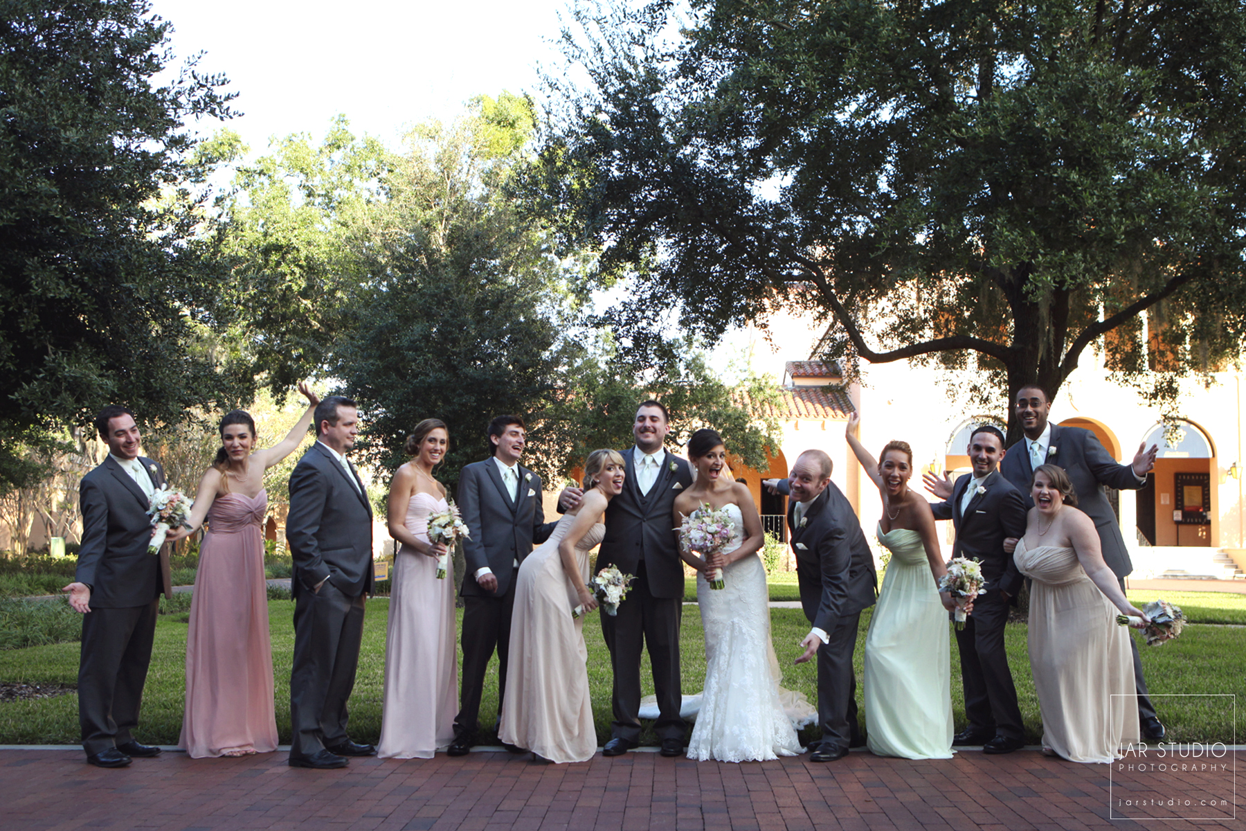 18-bridal-party-fun-rollins-college-jarstudio-wedding-photography.jpg