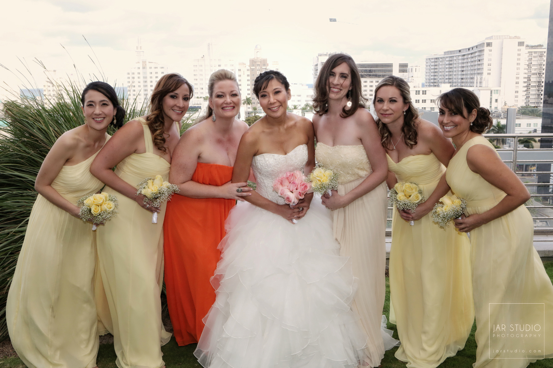 04-bridesmaids-yellow-dresses-jarstudio-photography.jpg