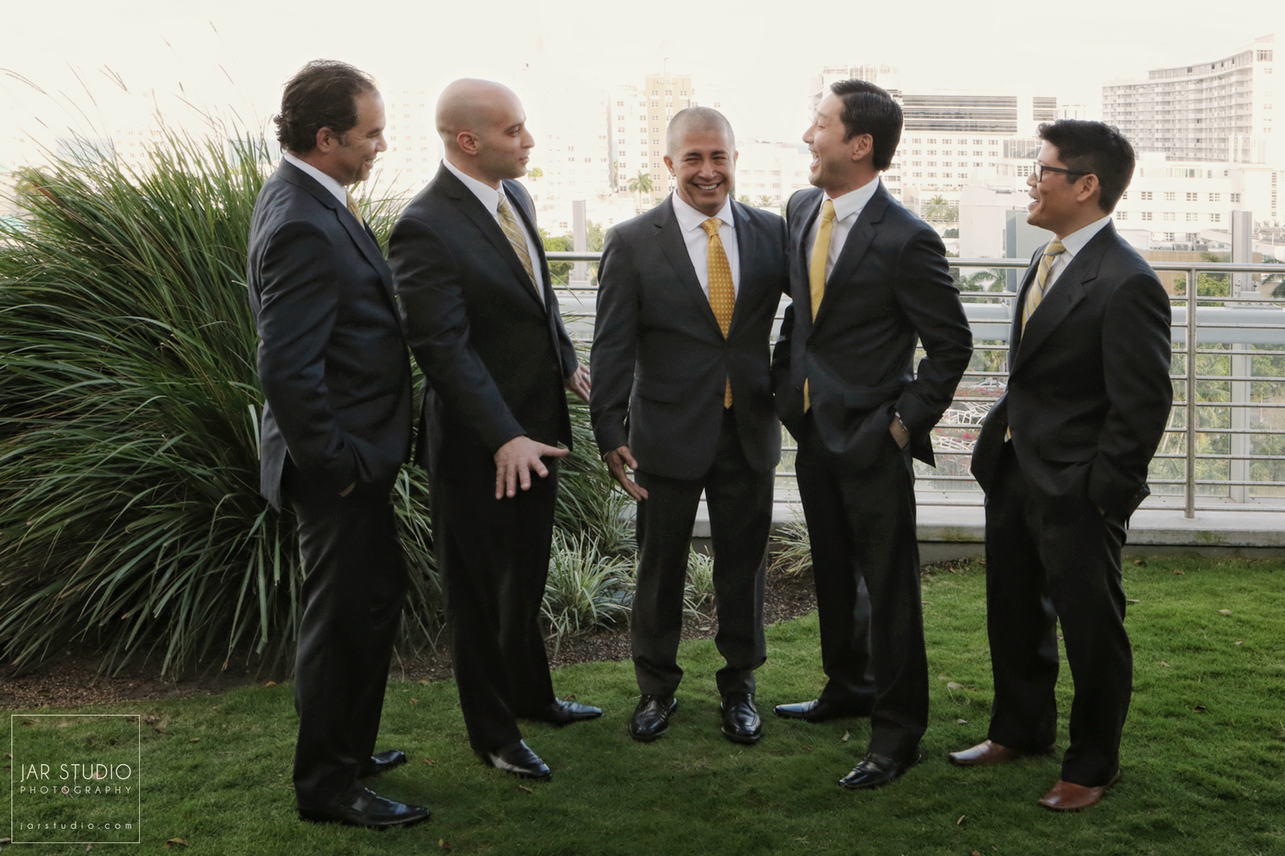 05-groomsmen-yellow-ties-jarstudio-photography.JPG