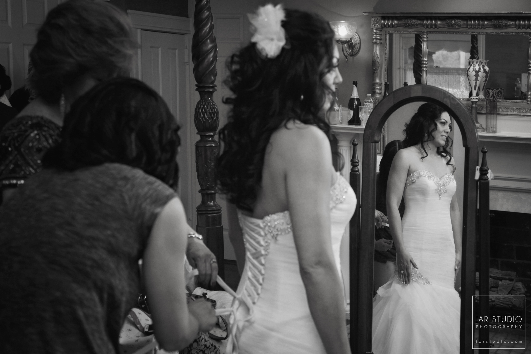 11-bride-getting-ready-dr-phillips-house-jarstudio-photography.JPG