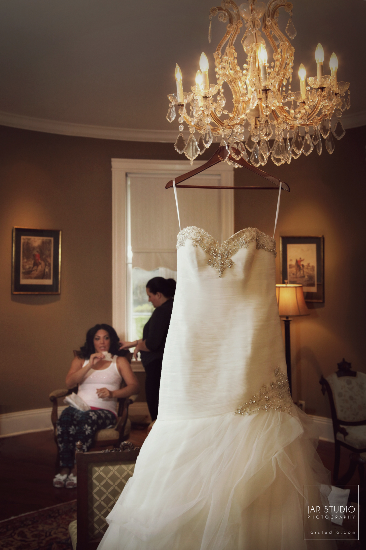 10-wedding-dress-dr-phillips-house-victorian-house-jarstudio-photography.JPG
