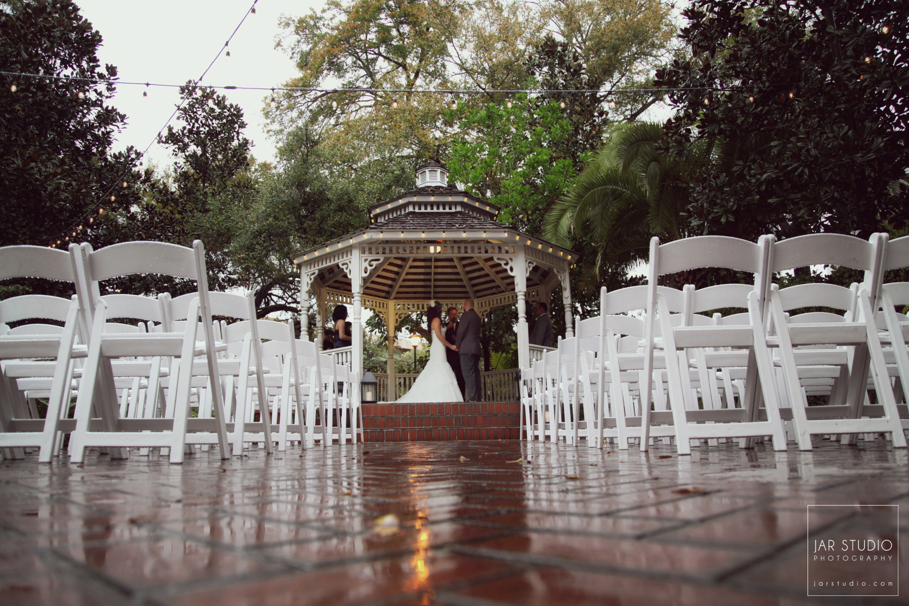 17-orlando-rainy-day-wedding-dr-phillips-house-jarstudio-photography.JPG