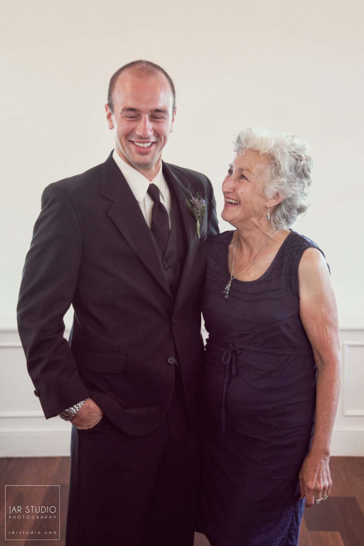18-mother-groom-wedding-day-jarstudio-photography.JPG
