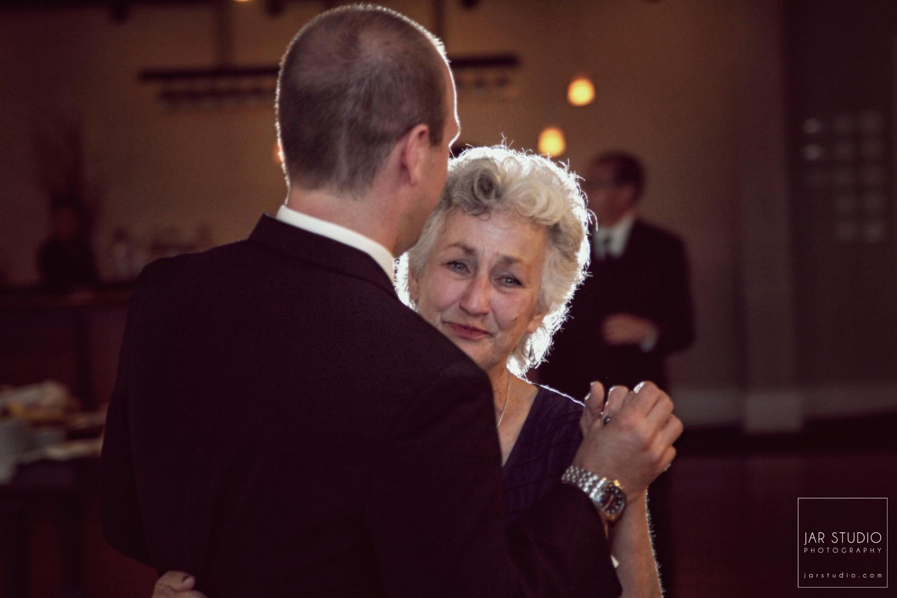 26-mother-son-dance-jarstudio-photography.JPG